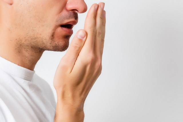know-what-causes-bad-breath-and-how-to-avoid-it صورة المقال